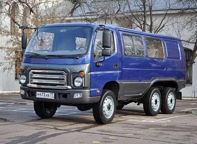 Трехосная «Буханка»: в России создан новый оригинальный внедорожник «Бурка»