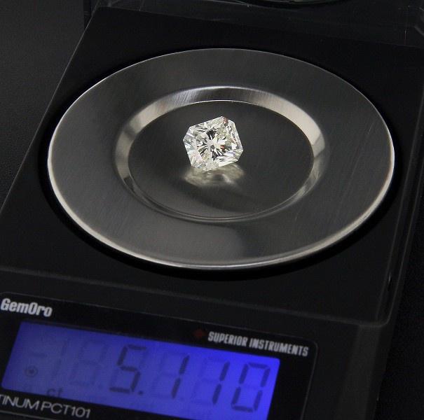 5-каратный синтетический бриллиант