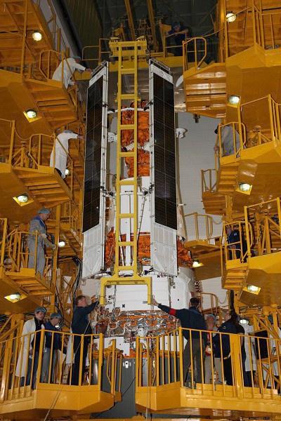 «Ресурс-П» №3 в монтажно-испытательном корпусе космодрома Байконур