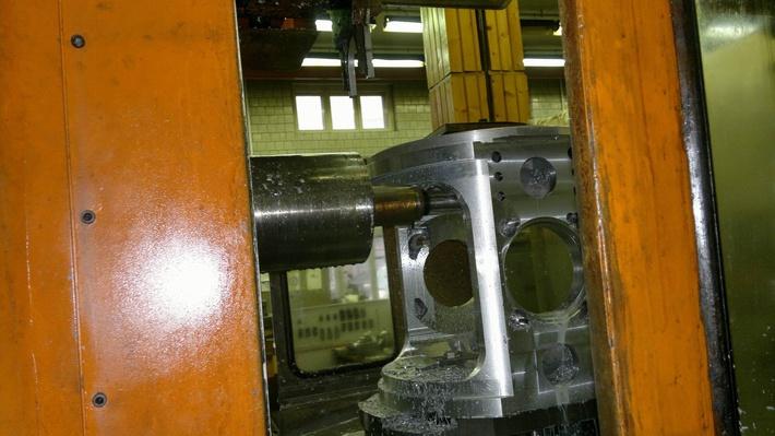 Изготовление деталей на ИР800ПМФ4