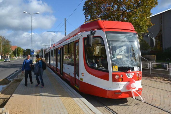 закупить питерские трамваи