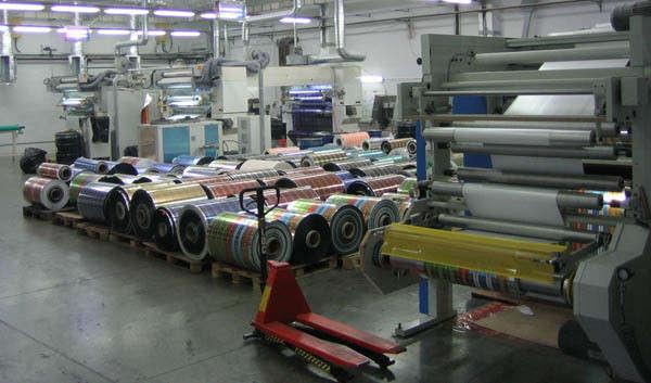 типография приобретает материалы для производственных целей горячие, опытные