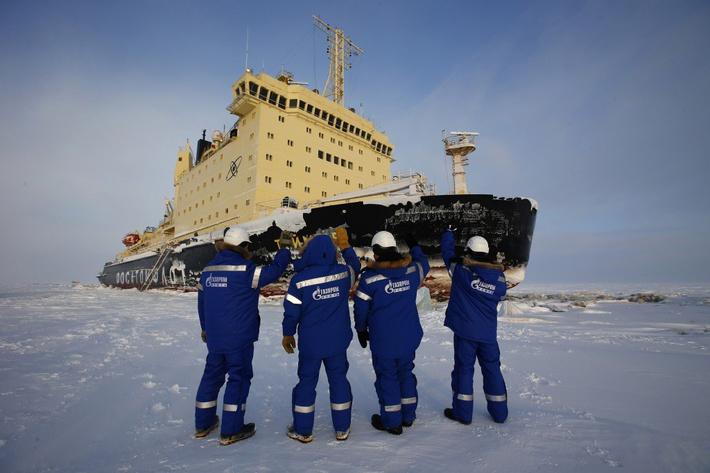 """""""Газпром нефть"""" впервые зимой вывезла нефть с Ямала морем"""