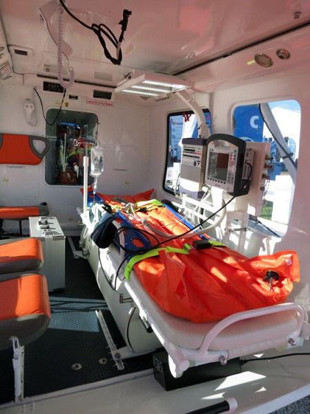 Медико-реанимационный Ка-226Т позволяет разместить одного пострадавшего и двух медицинских работников