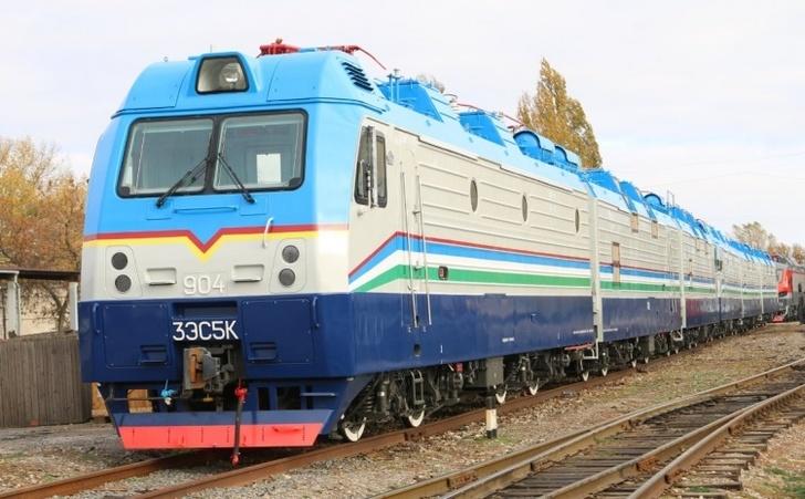 Трансмашхолдинг поставил два электровоза 3ЭС5К Узбекистанской железной дороге