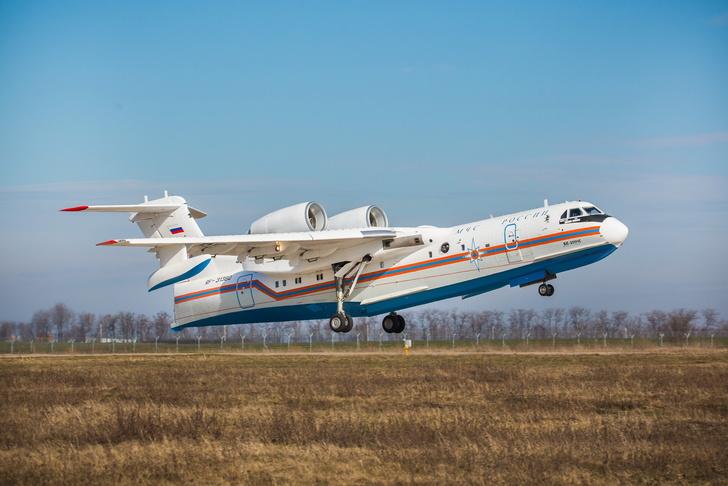 МЧС России передан очередной серийный самолет-амфибия Бе-200ЧС