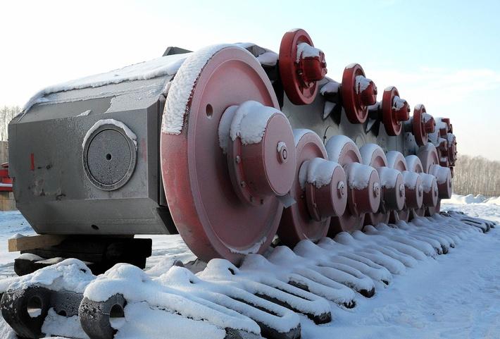 В помощь сибирским угольщикам прибыла уральская техника