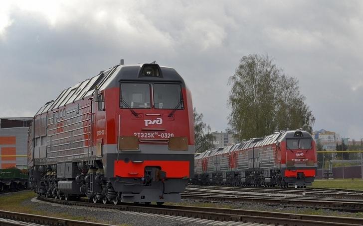 Брянский завод отправил девять тепловозов 2ТЭ25КМ в депо Великие Луки Октябрьской железной дороги