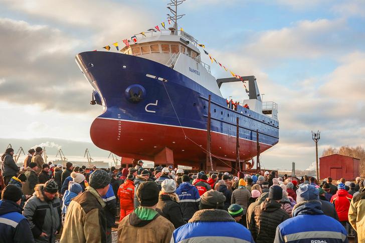 20 ноября спущен на воду малый рыболовный траулер рефрижераторный проекта Т30В для мурманских рыбаков