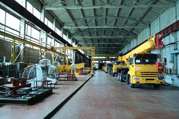 В Волгоградской области Камышинский крановый завод возобновил работу