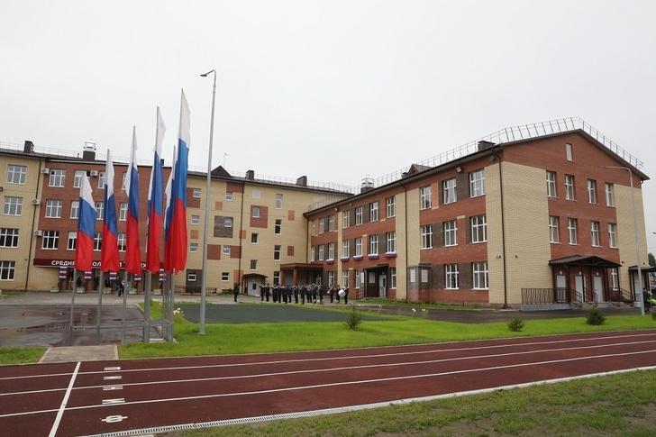 Дмитрий Миронов поздравил учеников новой школы в Ярославле с Днем знаний
