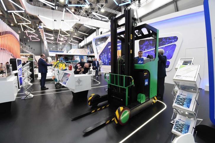 Машиностроительный завод имени М.И. Калинина представил первую российскую модель ричтрака