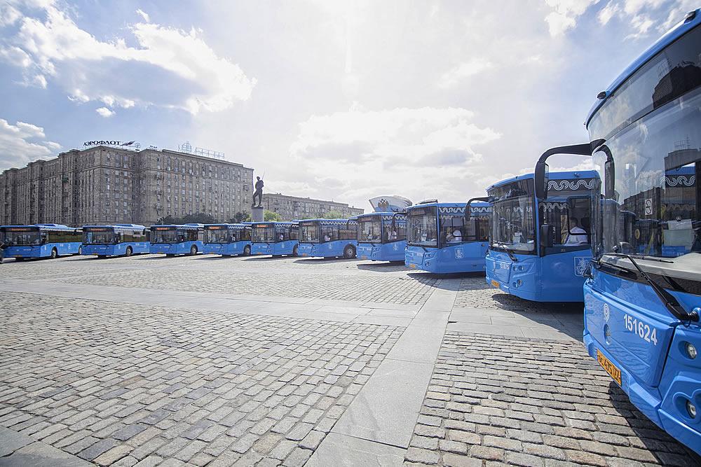 Картинки по запросу Московский парк обновлен на 90%