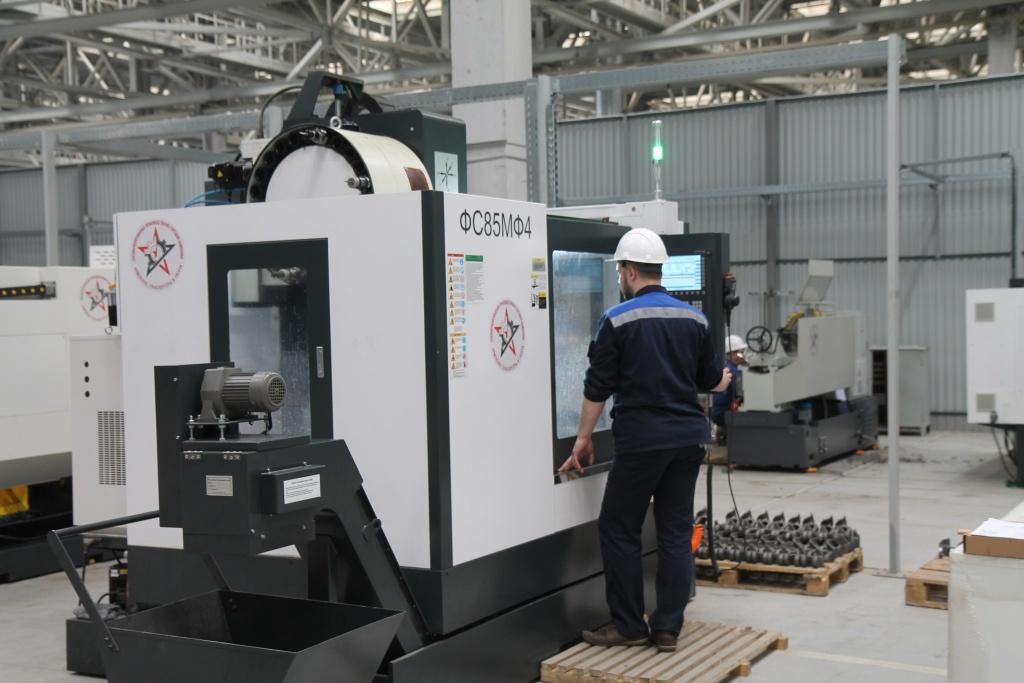 Компания армейские транспортеры и тягачи производство конвейерного оборудование