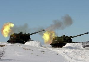 Артиллеристы береговых войск Северного флота учатся применять штатное вооружение в условиях полярной ночи