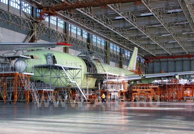 4ый серийный Ил-96-400Т на стапеле ВАСО
