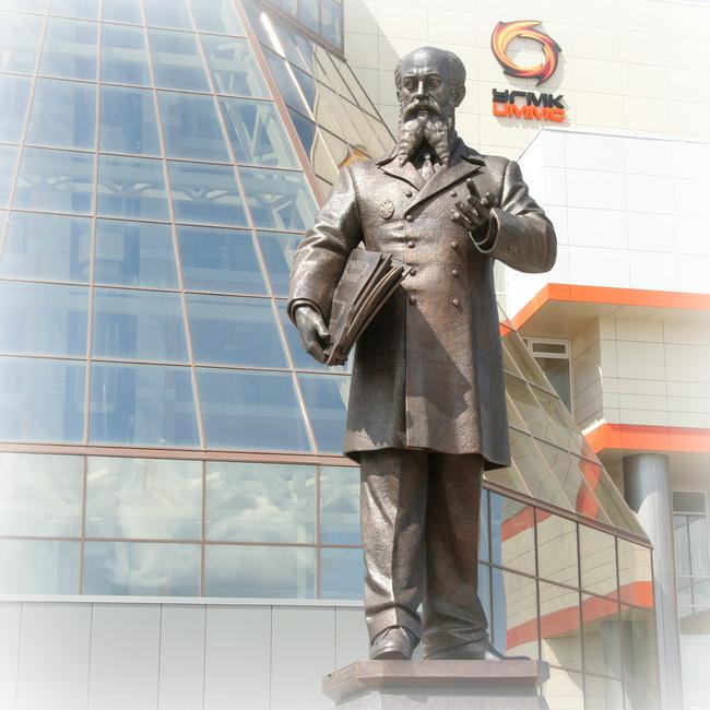 Бронзовый монумент Владимиру Ефимовичу Грум-Гржимайло в Верхней Пышме