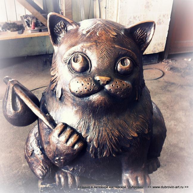 """Кот Семён"". Бронзовая скульптура для Семеновского парка г. Мурманск, 2013г."