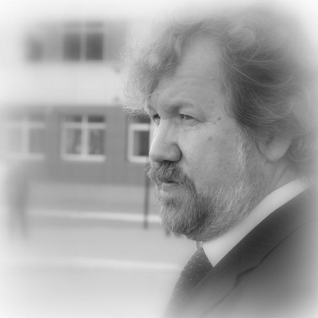 Скульптор, автор памятника В.Е. Грум-Гржимайло Александр Анатолькевич Кокотеев