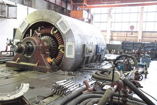 в марте НПО «ЭЛСИБ» ОАО с опережением графика сдало заказчикам сразу два турбогенератора (машина будет работать на Новочебоксарской ТЭЦ-3)