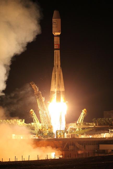 Пуск РКН «Союз-2.1а» с РБ «Фрегат» и КА «МетОп-Б». Космодром Байконур. 17 сентября 2012 г.