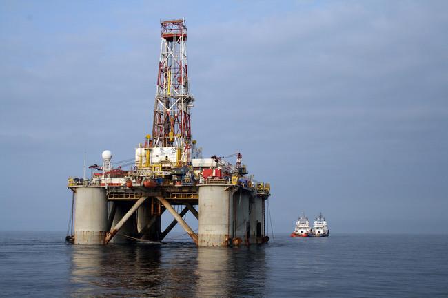 """""""Газпром"""" приступил к строительству эксплуатационных скважин на Киринском месторождении"""
