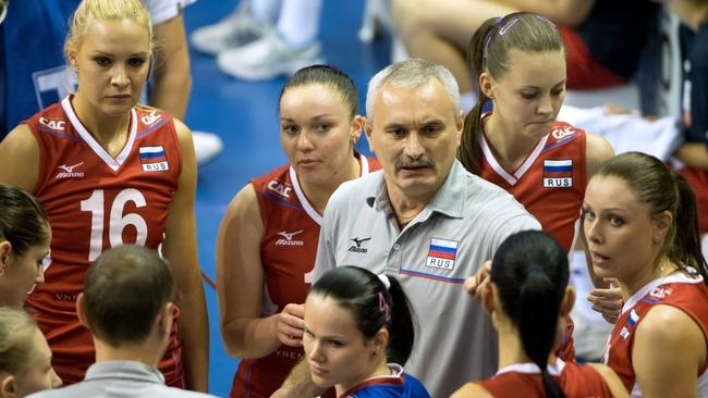 Юрий Маричев в окружении своих подопечных. Фото EPA/Soeren Stache