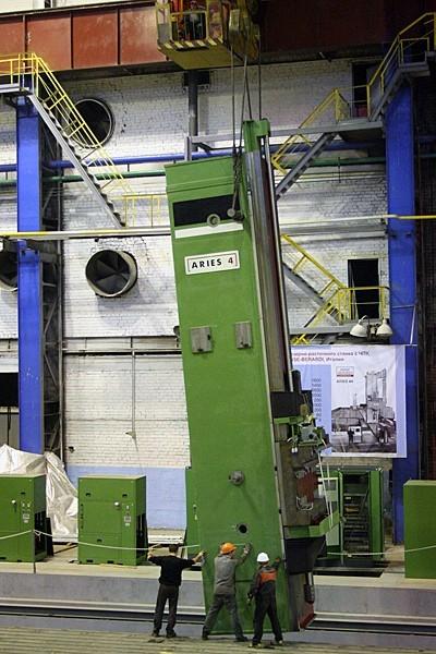 монтаж тяжёлого горизонтального фрезерно-расточного станка ARIES 4H, предназначенного для обработки корпусов парогенераторов