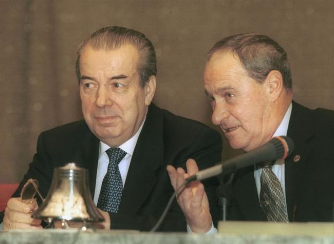 2001-й год. Виктор Ивантер (справа) вместе с главой Российского союза промышленников и предпринимателей Аркадием Вольским