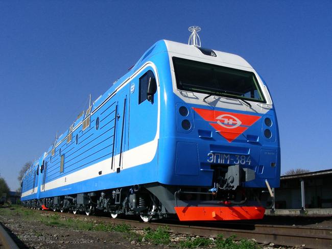 Используется в качестве грузопассажирского электровоза, где имеются затяжные подъемы протяженностью 15–20 км и...