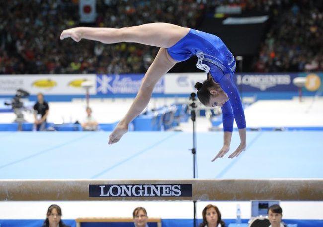 Спортивная гимнастика на бревне