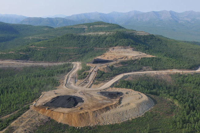 добыча угля на Эльгинском месторождении