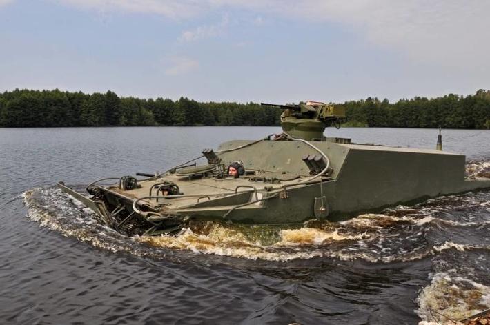 БТ-3Ф на воде