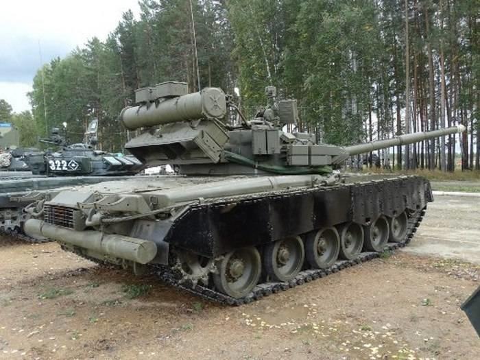 Танки Т-80 вернулись на вооружение морской пехоты