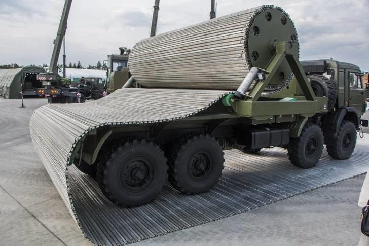 Инженерные войска приняли на снабжение комплект оперативного развертывания временных дорог