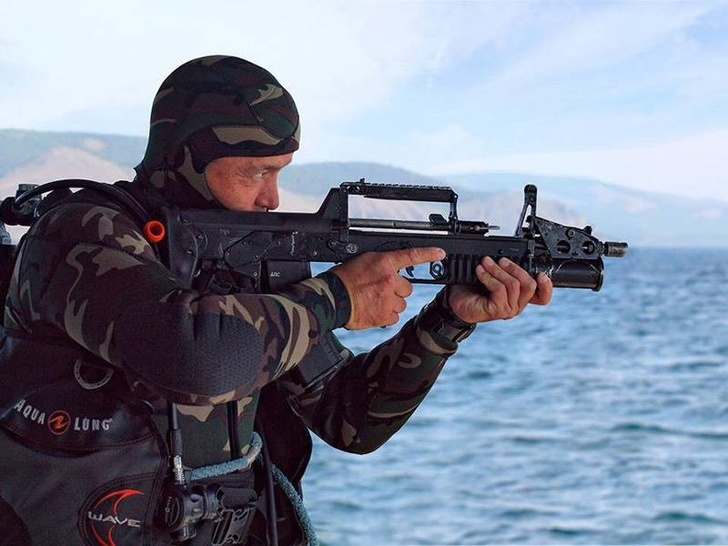 «Ростех» поставил российской армии первую партию двухсредных автоматов АДС