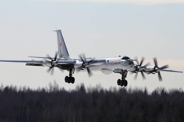 Обновленный после ремонта Ту-142МК отправился на Северный флот