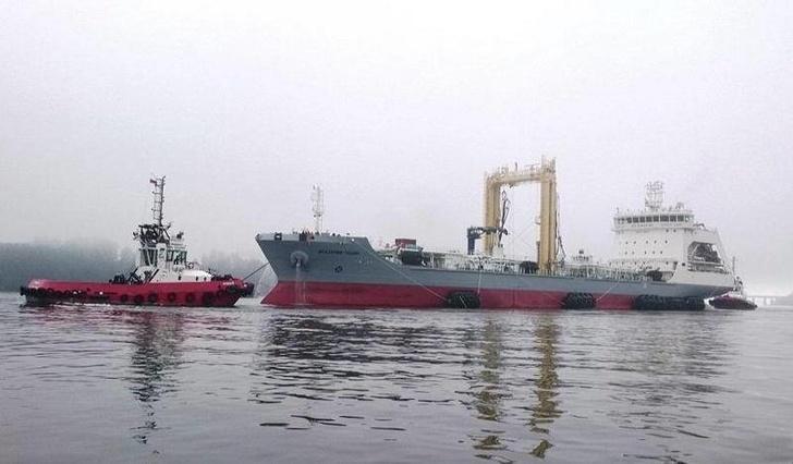 Средний морской танкер