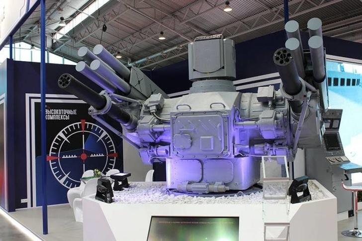 """На военно-морском салоне показали отечественный ЗРАК 3М89 """"Пальма"""""""