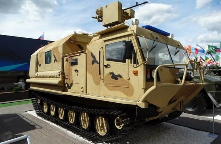 """Вездеход ТМ-140 в """"пограничном"""" исполнении. Армия-2019"""