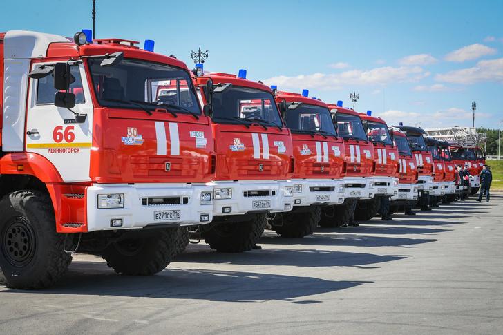 МЧС Татарстана переданы новые пожарные и специальные автомобили