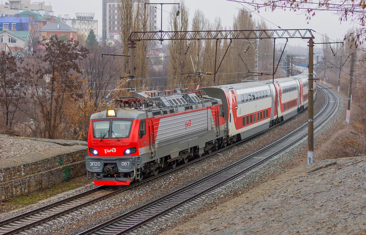 Новый электровоз ЭП20 (серийный номер 067) выпуска 2019 года. Фото от 15 декабря 2019 г.