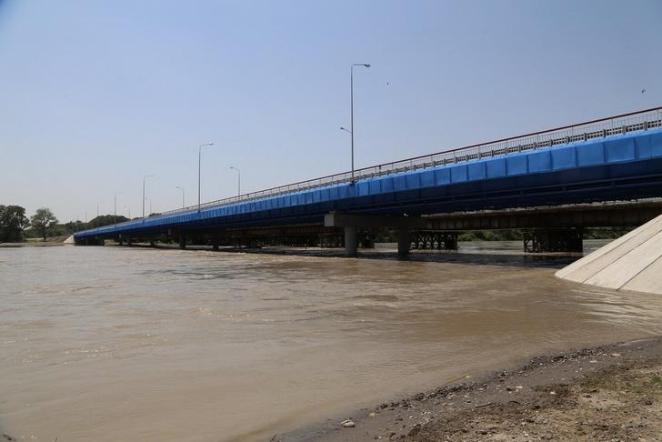 В Чечне после реконструкции открыли мост через реку Терек