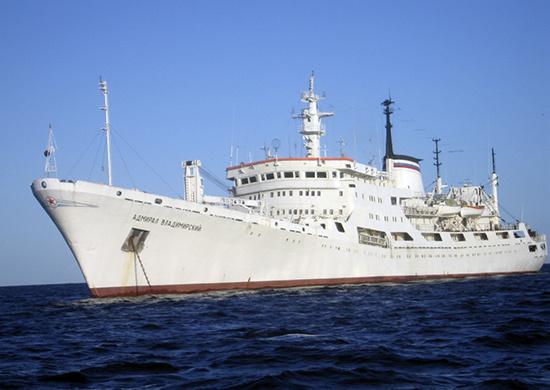 Гидрографической службой ВМФ создана крупнейшая в мире коллекция морских навигационных карт и пособий для плавания