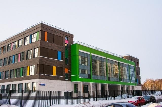 школа в процессе строительства