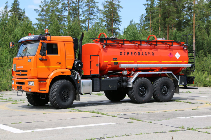 Автотопливозаправщик АТЗ-12МЛ на шасси КАМАЗ-43118СП