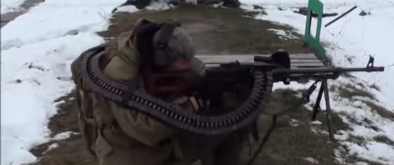 Стрельба с использованием гибкого рукава для подачи боеприпасов «Скорпион»