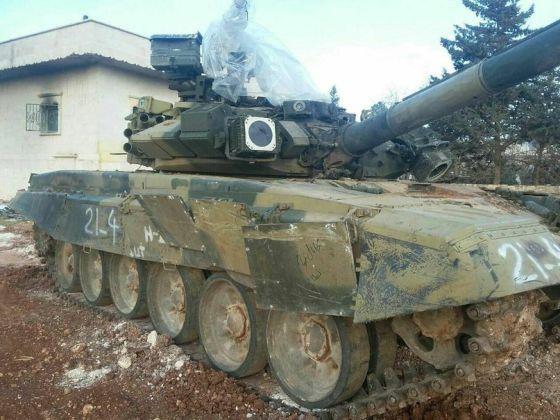 Сирийский Т-90, выдержавший попадание ракеты противотанкового ракетного комплекса TOW-2 Источник: Отвага2004