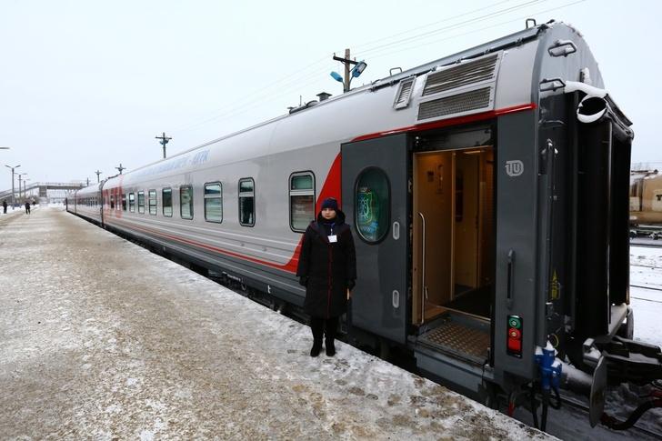 В Югре на маршрут вышел первый пригородный поезд нового поколения