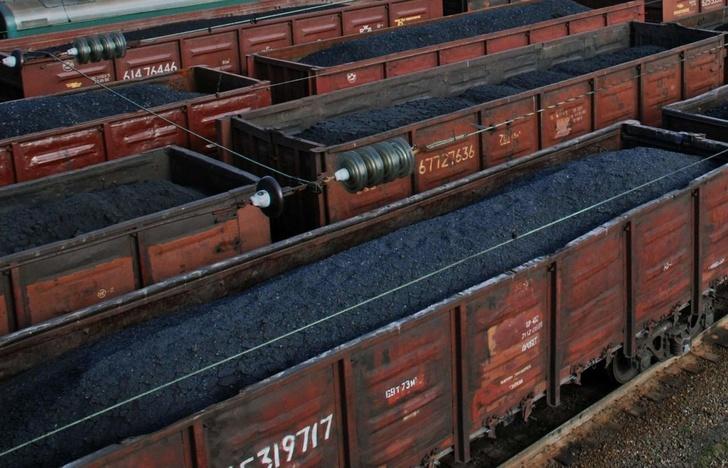 Погрузка угля приближается к максимальным показателям времен СССР